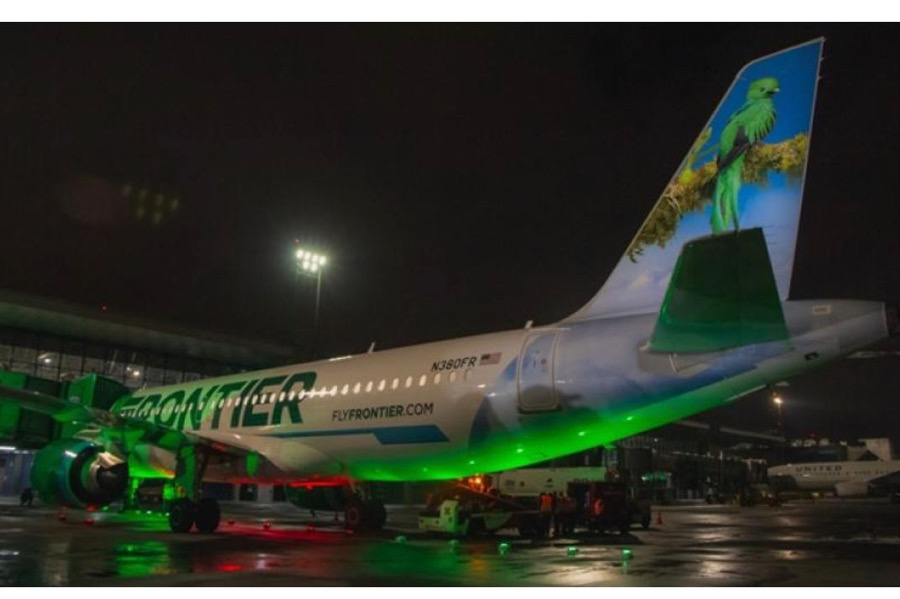 """AERONAVE DE FRONTIER AIRLINES ARRIBÓ A GUATEMALA CON """"VERDE EL QUETZAL RESPLANDECIENTE"""""""